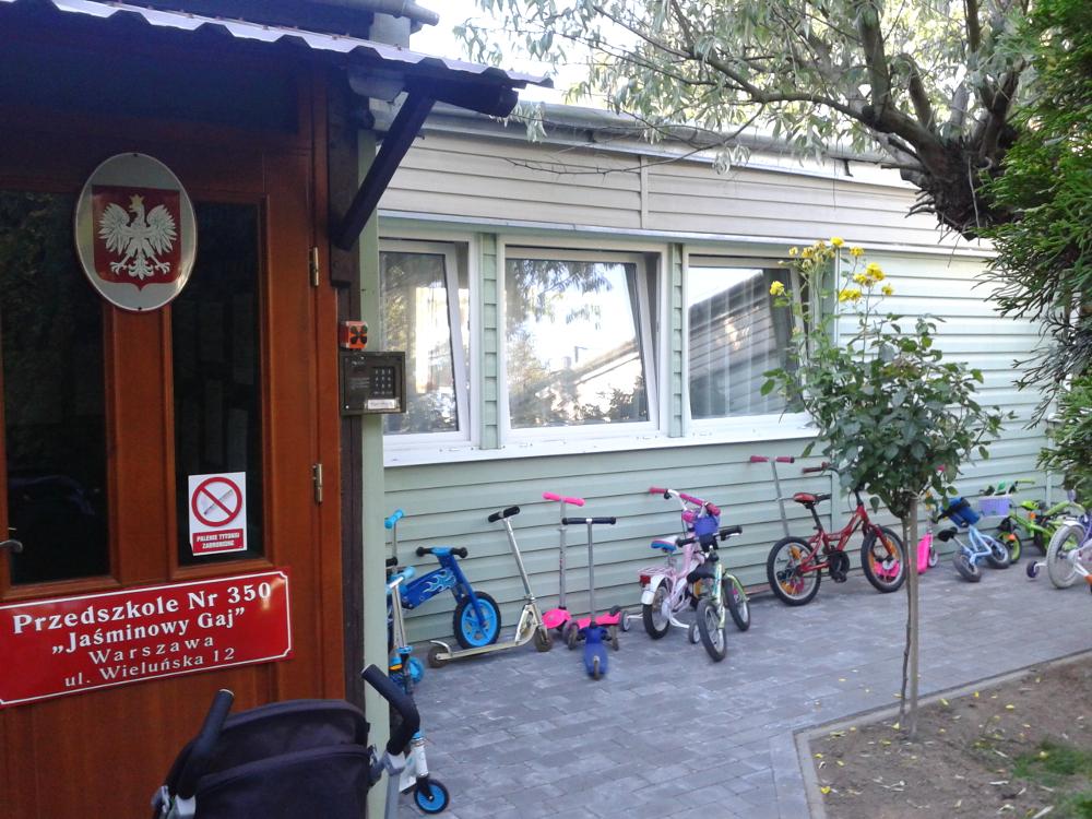 """nowy """"parking"""" dla przedszkolaków"""